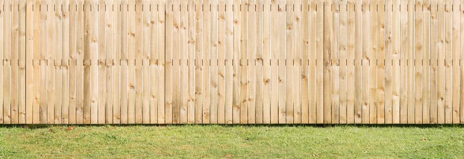 4 Fresh Fencing Ideas for Your Yard