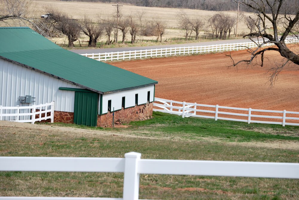 vinyl rail and post fencing for livestock